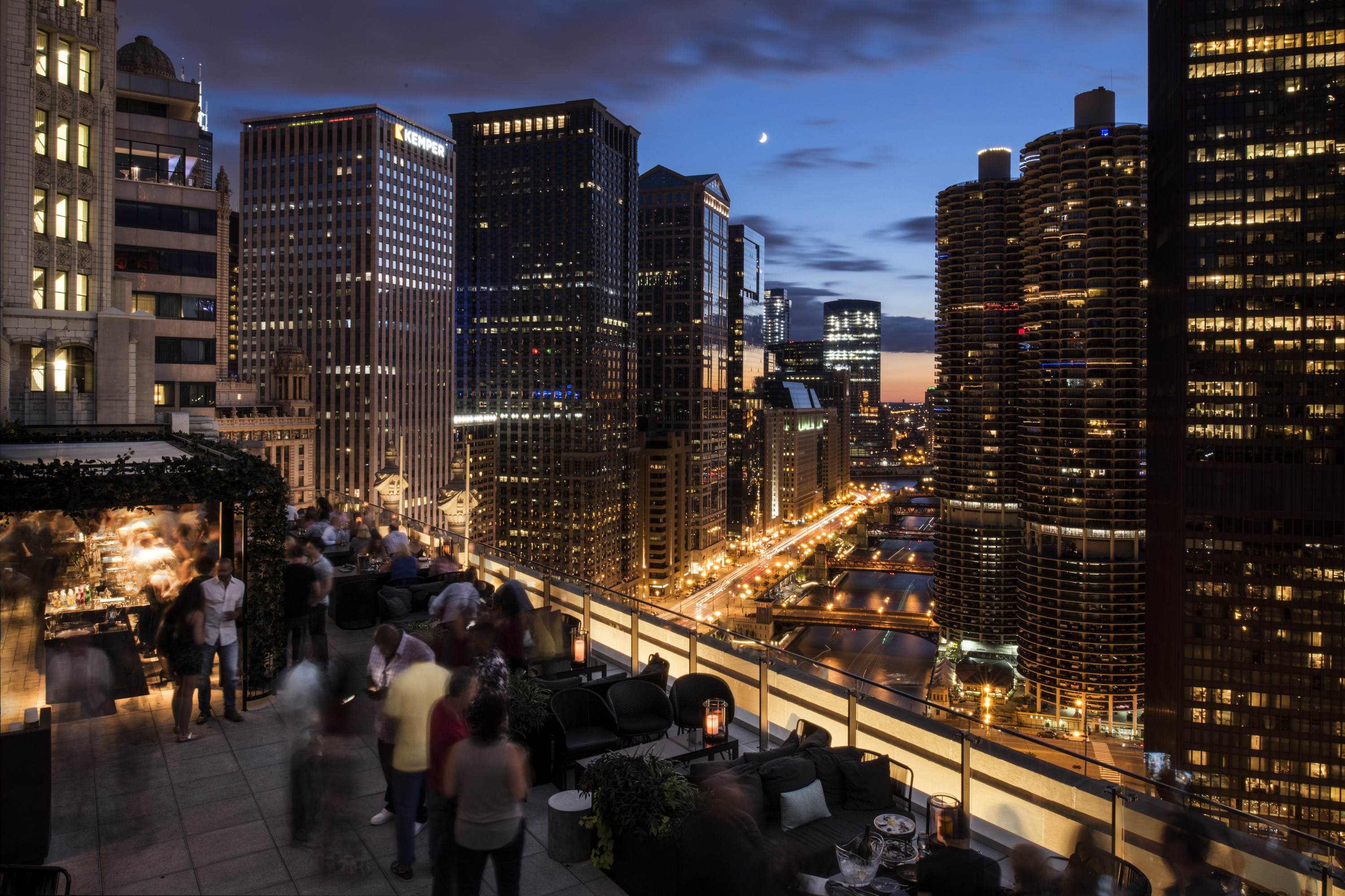 Chicago rooftop bar with a view londonhouse chicago for The view house